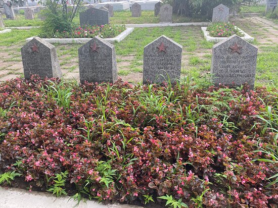 More headstones of the fallen Soviet soldiers .... can be found in the Heroes cemetery in Timisoara.
