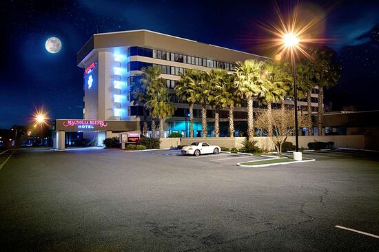 Magnolia Bluffs Casino Hotel BW Premier Collection