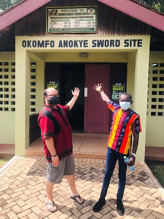 A VISIT TO THE OKOMFO ANOKYE SWORD SITE WITH MY CLIENT ZACH FROM VIRGINIA U•S•A🇺🇸.THIS IS THE EXACT LOCATION THE ASANTE KINGDOM STARTED BY THE HELP OF TGE LEGENDARY FETISH PRIEST OF THE ASANTES CALLED OKOMFO ANOKYE.HE PLANTED A SWORD ON THE GROUND AND CONJURED THE GOLDEN STOOL FOR THE ASANTES FROM THE HEAVENS IN 1695.                •DREAM🇬🇭 •EXPLORE🇬🇭 •DISCOVER🇬🇭 •GHANA🇬🇭 WITH US.