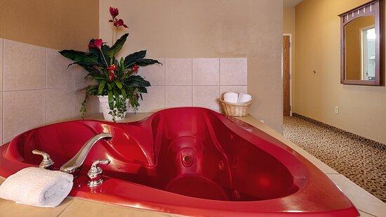 Whirlpool Guest Room