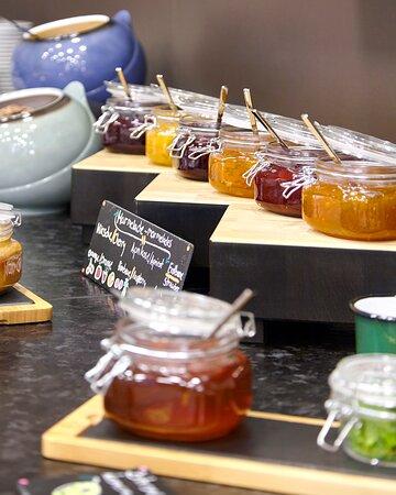 Buffet breakfast_the niu Air Hotel Frankfurt Messe