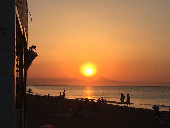 Denia, Spanyol: Beautiful sunset at Chiringuito Mojito