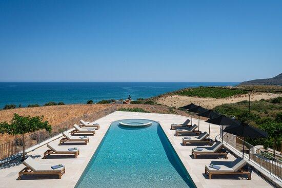 Rethymnon, Yunani: Heated jacuzzi swimming pool