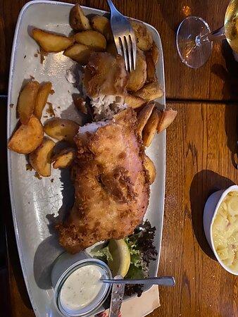 Backfisch, Lachspfanne und scharfe Garnelen