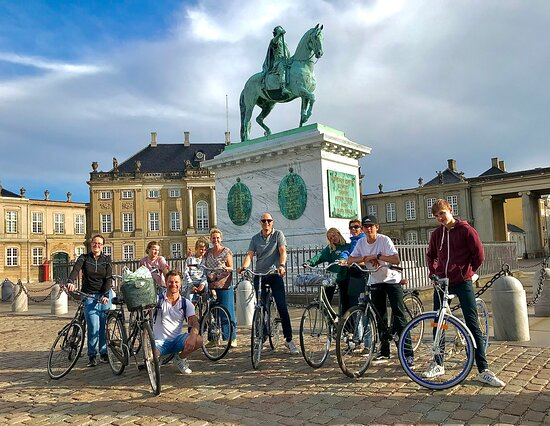 We will pass Amalienborg which is the residence of the danish royal family