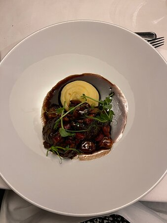 Beef with Bourguignon sauce