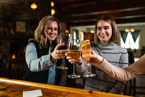 The White Horse Inn is one of the oldest restaurants in Michigan, dating back to 1850.  Following a monumental renovation in 2014, the White Horse continues to be a favorite of both locals and travelers alike.
