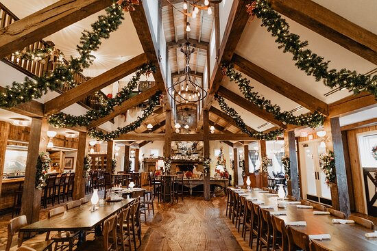 Christmas is a wonderful time of year to visit The White Horse Inn.  Every inch of the historic restaurant is covered in festive décor to create a cozy and festive atmosphere.