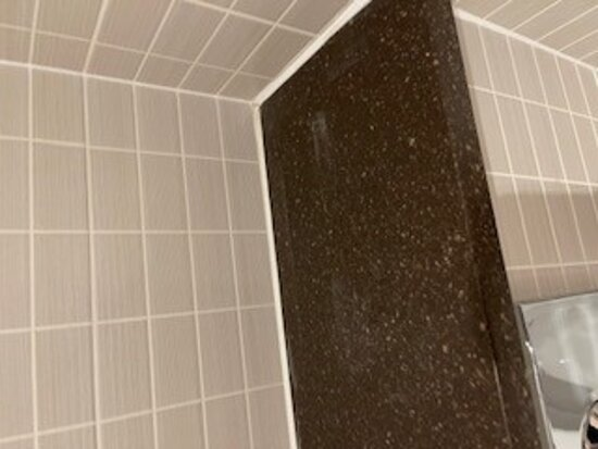 Dirty surfaces in the bathroom
