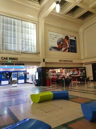 Wetherspoon pub in Leeds Railway Station