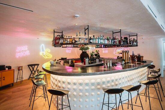 Cocktail Bar - Planta Baja