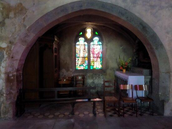 Belle église romane de Varangeville.
