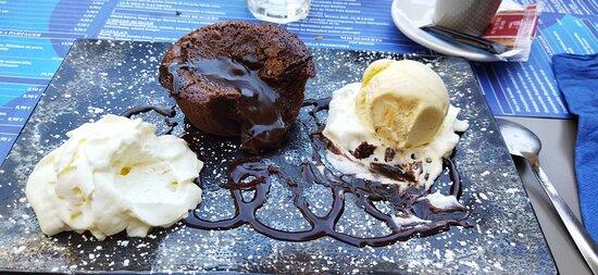 Perpignan, Prancis: Restaurant Le Florida très bon déjeuner en terrasse, très sympathique