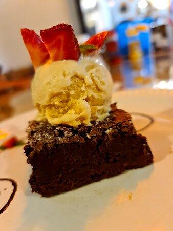 Ciudad Guzman, Mexico: Brownie con helado de vainilla