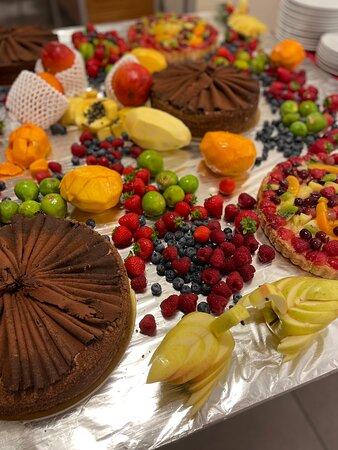 cena di ferragosto, frutta fresca di stagione