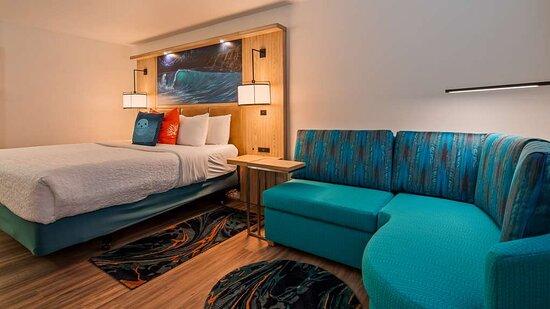 Standard King & Whirlpool King Bed Rooms