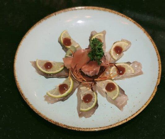 Hamacgi slice - slice hamachi lime topped