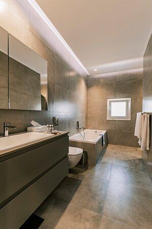 Pefki, Greece: Memories suite private bathroom