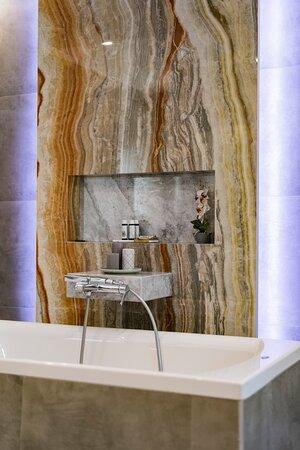Pefkos, Griechenland: Majestic suite private bathroom