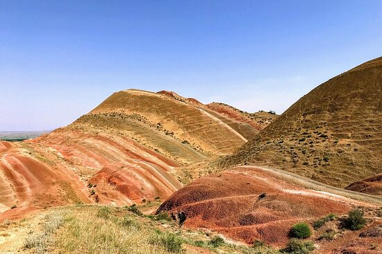 Off-road tour to David Gareja Monastery and Rainbow Mountains