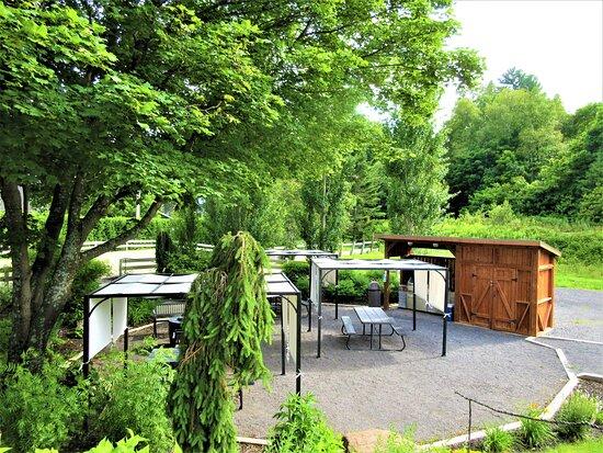 La Malbaie, Kanada: Le jardin du Castel, en saison estivale, de 8h à 22h
