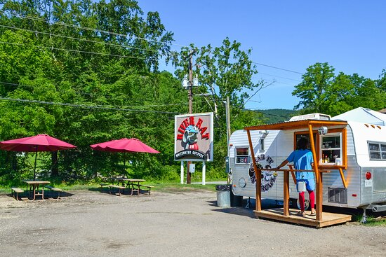 Our onsite food truck, Grab It 'N Growl, is a great spot to refuel after an exciting expedition on the Pigeon River.