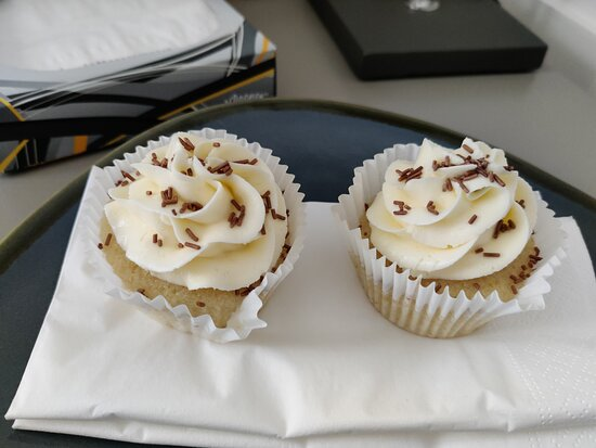 cupcakes on arrival
