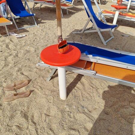 Anfiteatro stracolmo senza rispetto delle normative anticovid - Photo de Club Resort Itaca - Nausicaa, Rossano - Tripadvisor