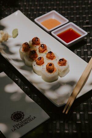 Contamos con variedad de comida sushi