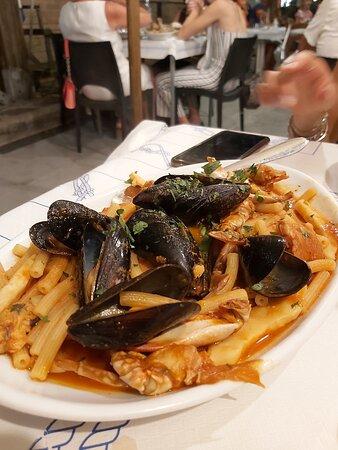 Fritto misto di pesce - Afbeelding van Ristorante Circolo dei Pescatori Cervia - La Pantofla - Tripadvisor
