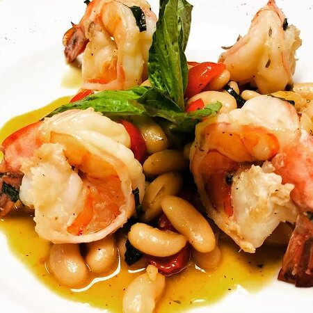 Shrimp with canellini beans