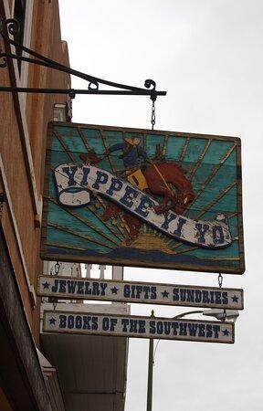 Santa Fe, NM: Shop sign.