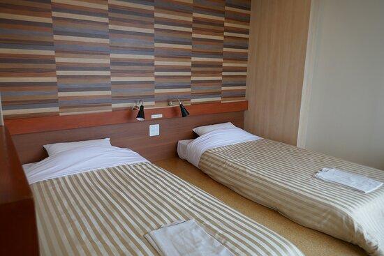 ファミリーツインルーム(32.8平米)のベッドスペース。