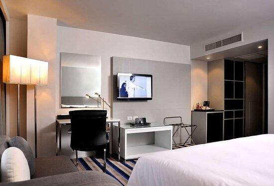 Superior Room - King Size Bed - Best Western Plus @20 Sukhumvit