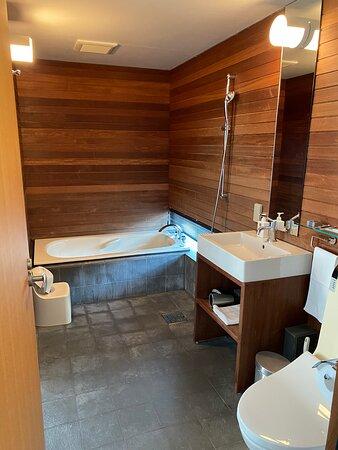 3階のトイレ<ウォシュレットあり>、バスルーム(セッカニ2)