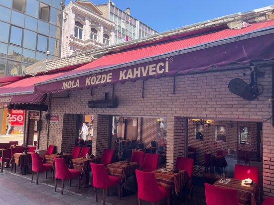 Istanbul, Turkey: Mola Közde Kahveci - Kadıköy