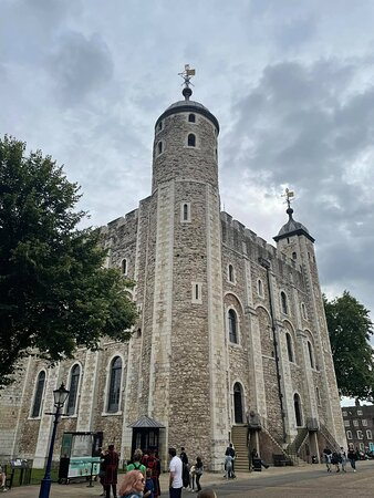 Entrébiljett till Towern inklusive kronjuvelerna och Beefeater-tur: The White Tower