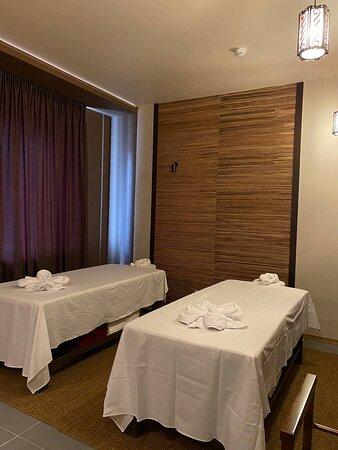 Kazan, Rusia: Комната на две персоны подарит Вам возможность провести время совместно и насладиться тайскими техниками!
