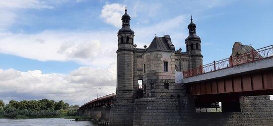 Въезд на мост с Российской стороны