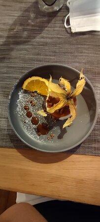Poisson du jour avec écrasé de pommes de terre/ pana cotta/ saumon sauce à ?!/ frites et poissons panés