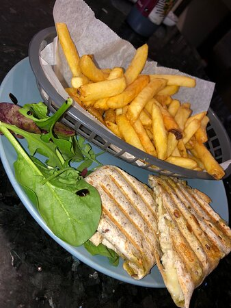 wrap and chips