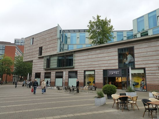 Modernes Stadthotel im Zentrum mit Tiefgarage-ideal für einen Städtetrip