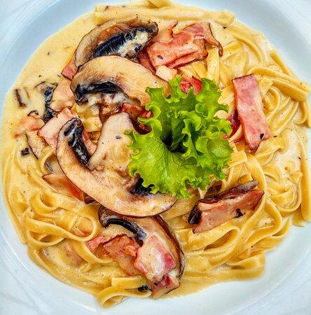 Fetuccine carbonara & Portobello