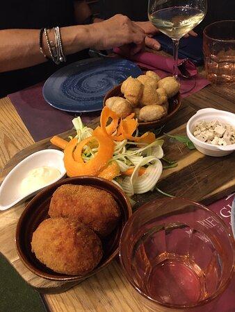 Cacio e pepe vegana, indistinguibile dalla versione tradizionale, incredibilmente cremosa e saporita. Porzione abbondante!: imagen de Rifugio Romano - Tripadvisor