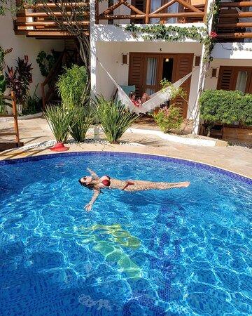 Um mergulho para lavar a alma e o coração  Pousada WindJeri - Praia de Jericoacoara 📧 pousada@windjeri.it 📞+55 88 99643-8669 💻 www.windjeri.it  #pousada #windjeri #jericoacoara #vemprajeri #hospedagem #jeri #windsurf Foto @claudiamarqueslira