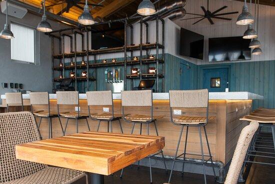 The Bar at Sloppy Joe's Dockside