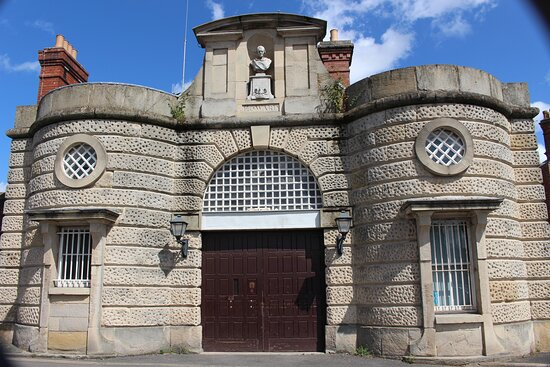 Shrewsbury Prison Guided Tour: The way in!