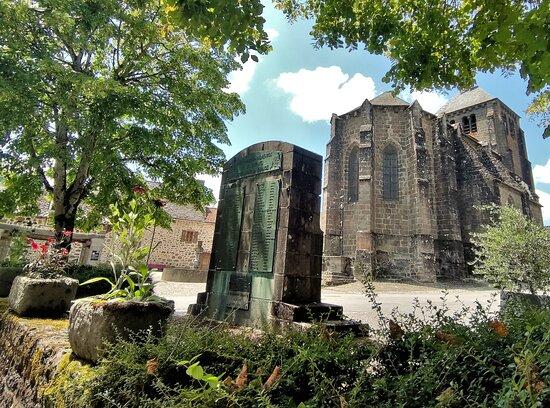 Monument aux Morts de Saint-Martin-Valmeroux