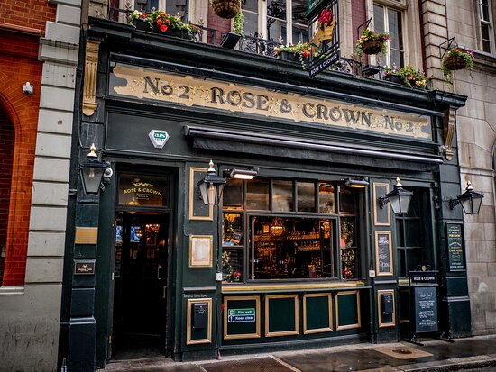The 400 years old Rose and Crown