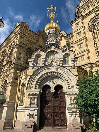 Церковь Успения Пресвятой Богородицы на наб. Лейтенанта Шмидта